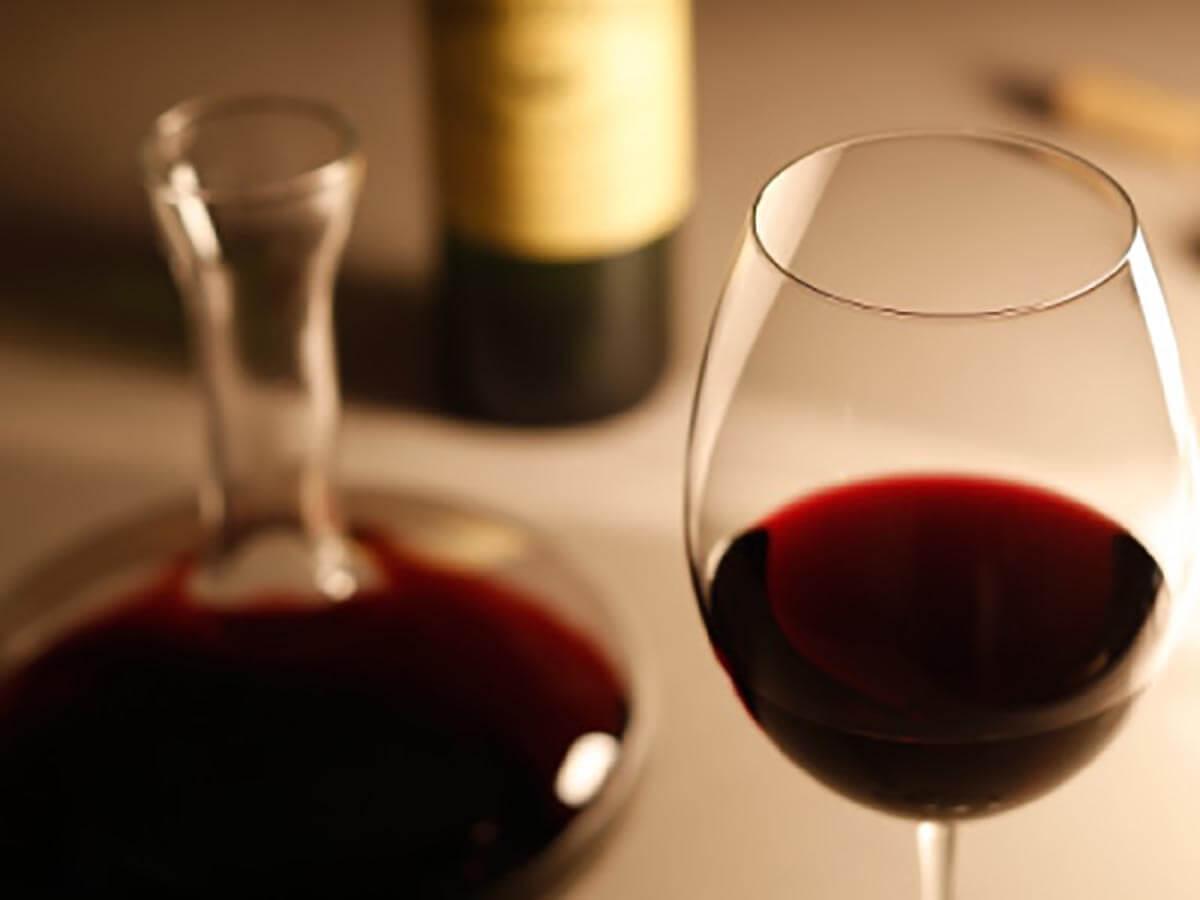 EDと赤ワイン